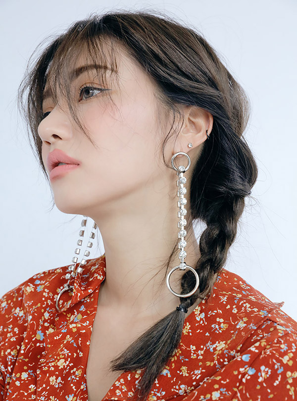 O-ring elliptic rail drop earring